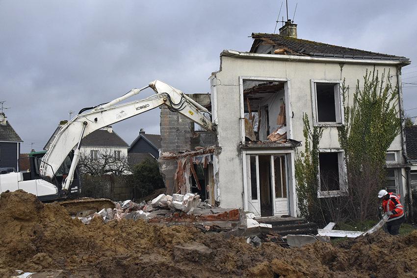 Déconstruction maison pour futur multi-accueil
